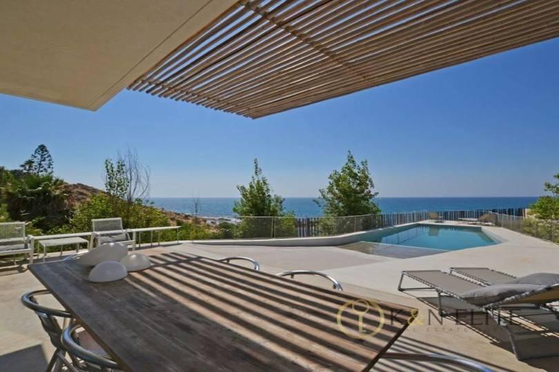 Alicante,Alicante,España,5 Bedrooms Bedrooms,4 BathroomsBathrooms,Chalets,17790