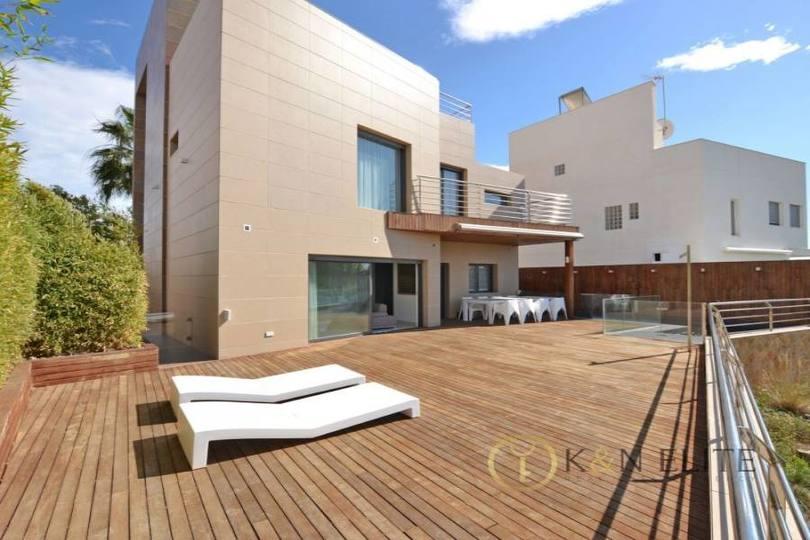 Alicante,Alicante,España,5 Bedrooms Bedrooms,6 BathroomsBathrooms,Chalets,17797