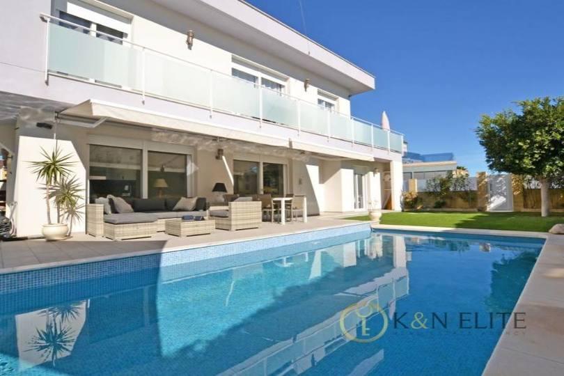 Santa Pola,Alicante,España,4 Bedrooms Bedrooms,4 BathroomsBathrooms,Chalets,17801