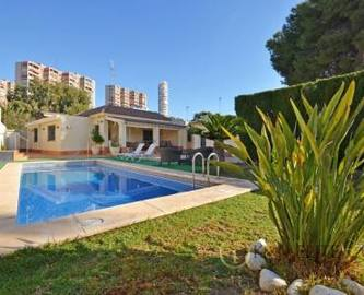 Alicante,Alicante,España,4 Bedrooms Bedrooms,3 BathroomsBathrooms,Chalets,17806