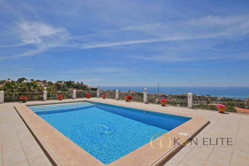 el Campello,Alicante,España,4 Bedrooms Bedrooms,3 BathroomsBathrooms,Chalets,17824