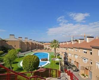 Alicante,Alicante,España,4 Bedrooms Bedrooms,3 BathroomsBathrooms,Chalets,17828