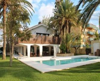 Dénia,Alicante,España,4 Bedrooms Bedrooms,3 BathroomsBathrooms,Chalets,17837