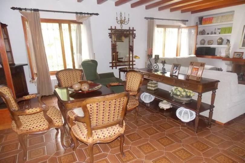 Mutxamel,Alicante,España,5 Bedrooms Bedrooms,3 BathroomsBathrooms,Chalets,17849