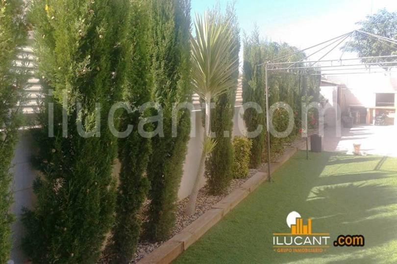 Mutxamel,Alicante,España,3 Bedrooms Bedrooms,3 BathroomsBathrooms,Chalets,17856