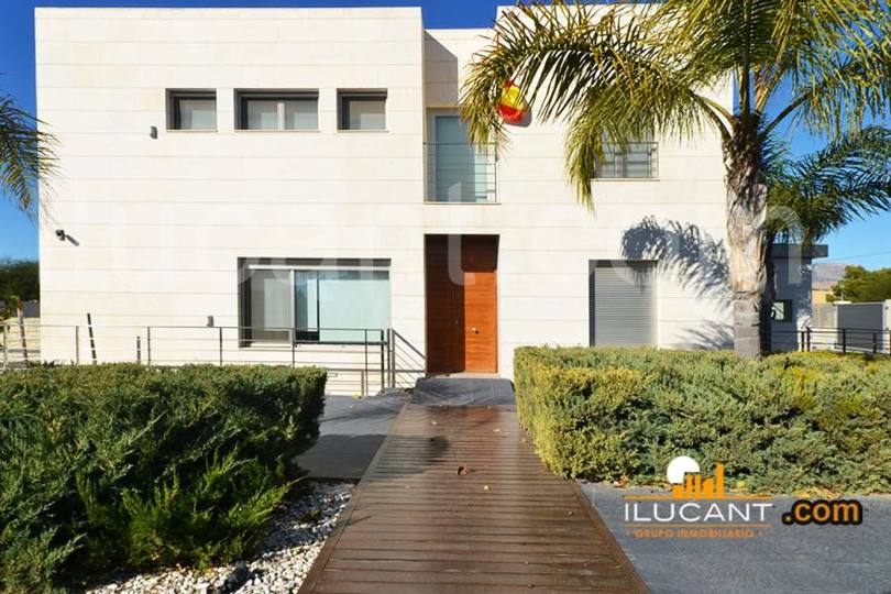 San Vicente del Raspeig,Alicante,España,5 Bedrooms Bedrooms,4 BathroomsBathrooms,Chalets,17864
