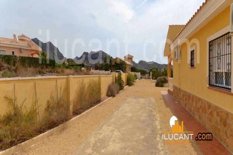 Busot,Alicante,España,3 Bedrooms Bedrooms,2 BathroomsBathrooms,Chalets,17865