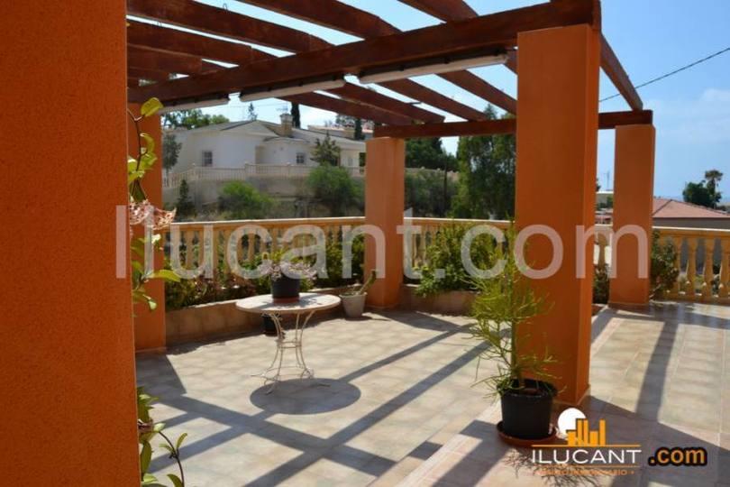 el Campello,Alicante,España,5 Bedrooms Bedrooms,4 BathroomsBathrooms,Chalets,17866