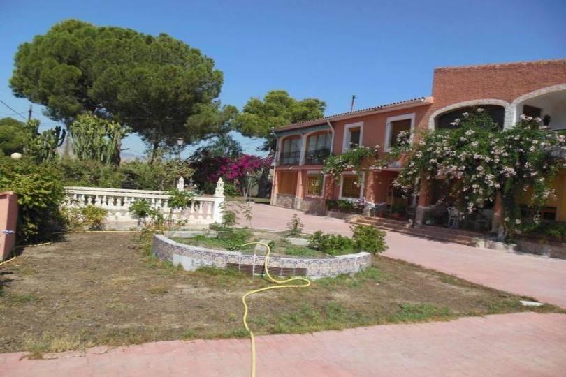 Busot,Alicante,España,11 Bedrooms Bedrooms,8 BathroomsBathrooms,Chalets,17878