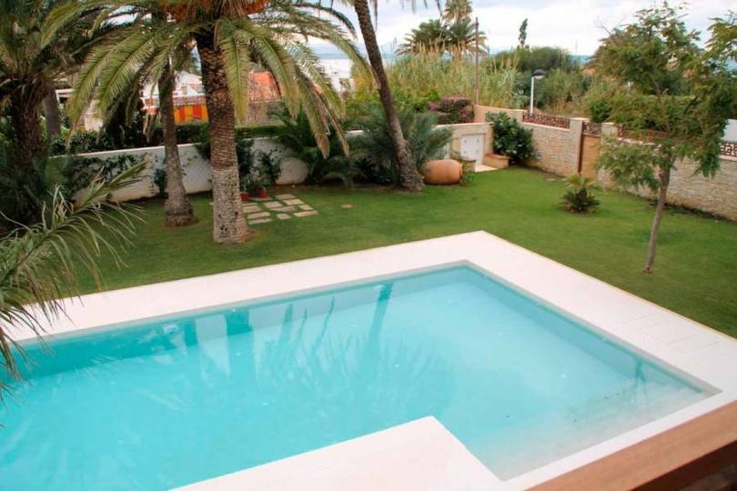 Dénia,Alicante,España,4 Bedrooms Bedrooms,3 BathroomsBathrooms,Chalets,17896