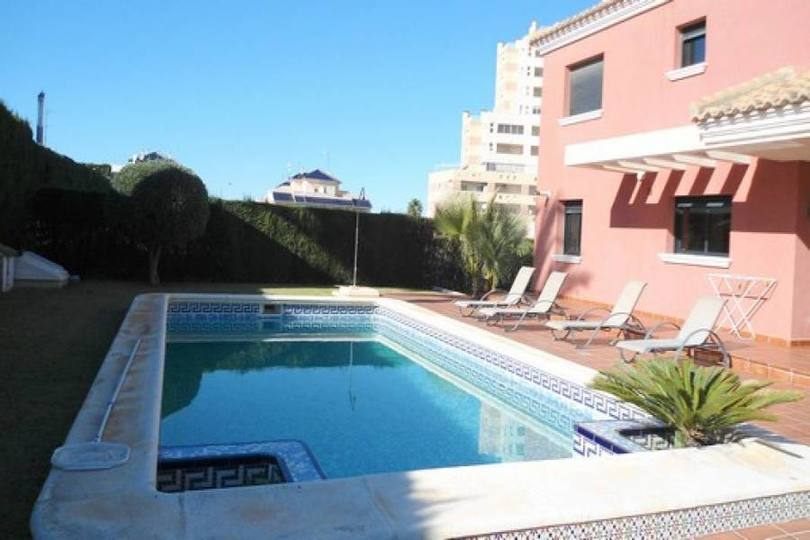 Torrevieja,Alicante,España,4 Bedrooms Bedrooms,3 BathroomsBathrooms,Chalets,17901