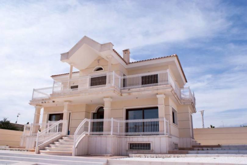 Ciudad Quesada,Alicante,España,4 Bedrooms Bedrooms,4 BathroomsBathrooms,Chalets,17913