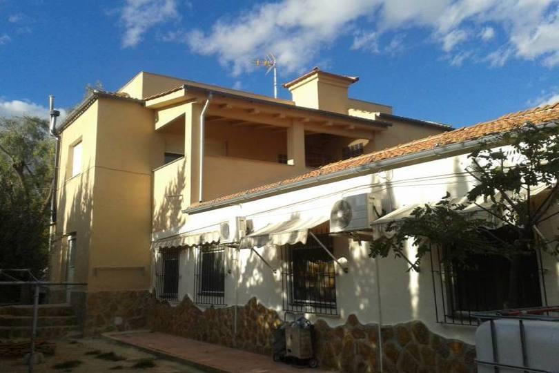 San Vicente del Raspeig,Alicante,España,8 Bedrooms Bedrooms,3 BathroomsBathrooms,Chalets,18016