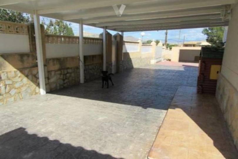 San Vicente del Raspeig,Alicante,España,3 Bedrooms Bedrooms,2 BathroomsBathrooms,Chalets,18022