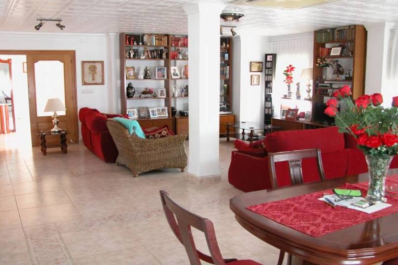 San Vicente del Raspeig,Alicante,España,4 Bedrooms Bedrooms,3 BathroomsBathrooms,Chalets,18034