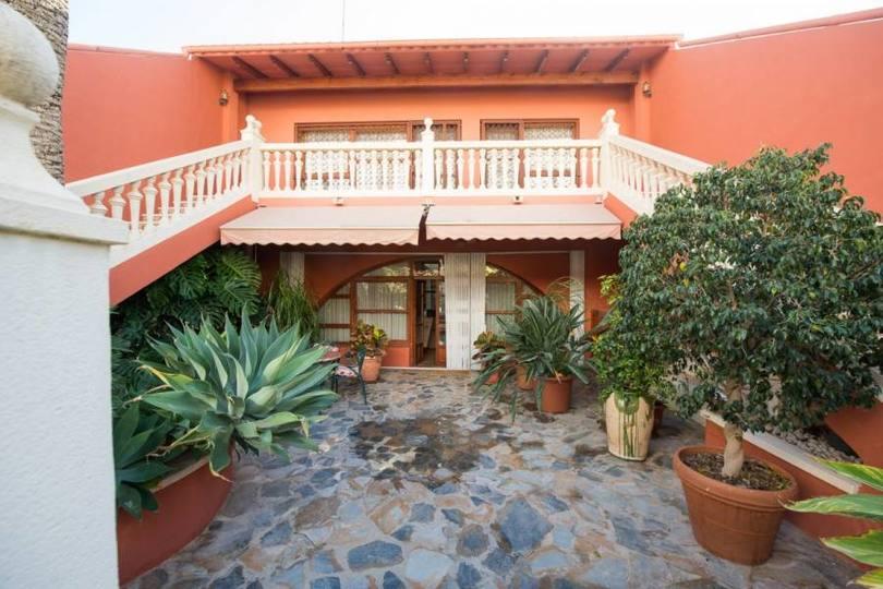 San Vicente del Raspeig,Alicante,España,4 Bedrooms Bedrooms,4 BathroomsBathrooms,Chalets,18035