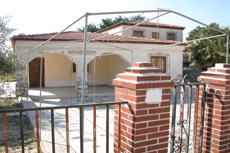 San Vicente del Raspeig,Alicante,España,5 Bedrooms Bedrooms,2 BathroomsBathrooms,Chalets,18037