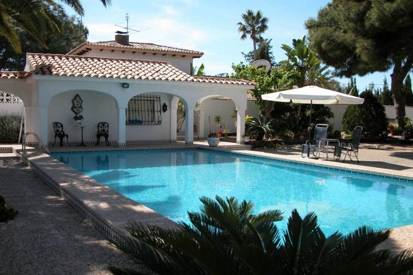 San Juan,Alicante,España,5 Bedrooms Bedrooms,4 BathroomsBathrooms,Chalets,18039
