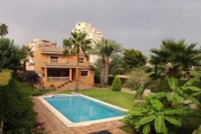 el Campello,Alicante,España,5 Bedrooms Bedrooms,Chalets,18040