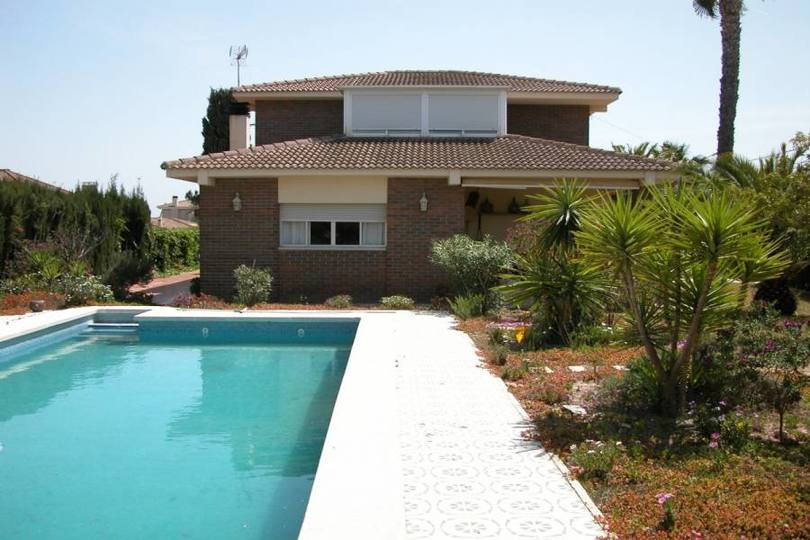 San Vicente del Raspeig,Alicante,España,5 Bedrooms Bedrooms,2 BathroomsBathrooms,Chalets,18041