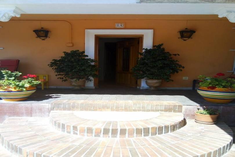 Alicante,Alicante,España,5 Bedrooms Bedrooms,1 BañoBathrooms,Chalets,18057