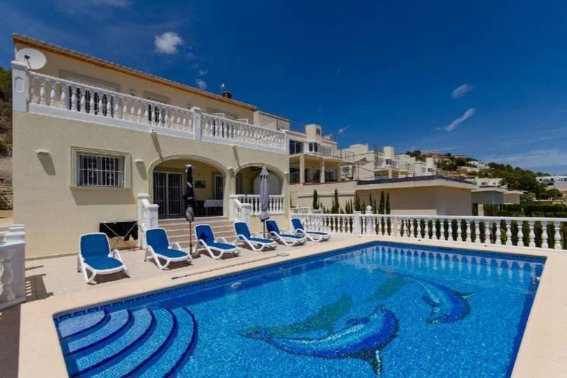 Calpe,Alicante,España,3 Bedrooms Bedrooms,3 BathroomsBathrooms,Chalets,18071