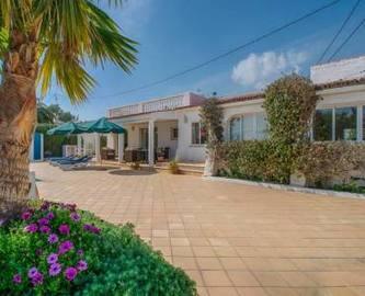 Alfaz del Pi,Alicante,España,3 Bedrooms Bedrooms,3 BathroomsBathrooms,Chalets,18080