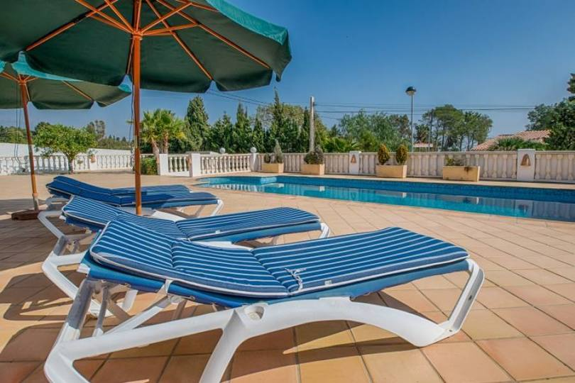 Alfaz del Pi,Alicante,España,3 Bedrooms Bedrooms,3 BathroomsBathrooms,Chalets,18080