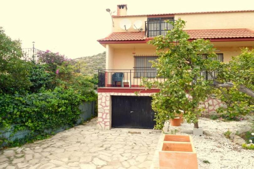 San Vicente del Raspeig,Alicante,España,5 Bedrooms Bedrooms,2 BathroomsBathrooms,Chalets,18101