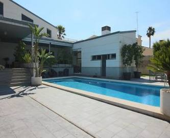Elche,Alicante,España,6 Bedrooms Bedrooms,4 BathroomsBathrooms,Chalets,18908