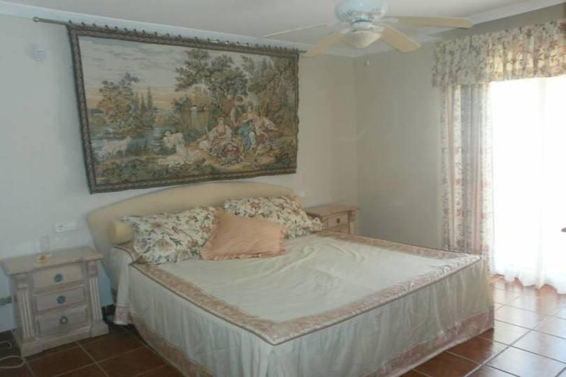 La Nucia,Alicante,España,4 Bedrooms Bedrooms,3 BathroomsBathrooms,Chalets,18911