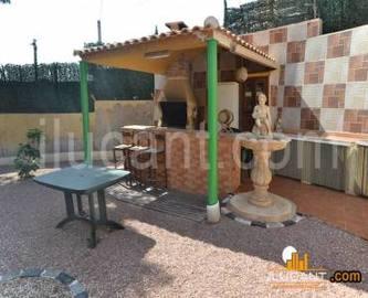 Alicante,Alicante,España,4 Bedrooms Bedrooms,2 BathroomsBathrooms,Chalets,18936