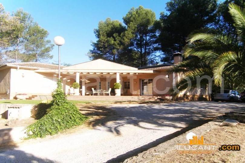 Alcoy-Alcoi,Alicante,España,4 Bedrooms Bedrooms,3 BathroomsBathrooms,Chalets,18938