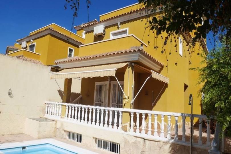 Elche,Alicante,España,4 Bedrooms Bedrooms,2 BathroomsBathrooms,Chalets,18961
