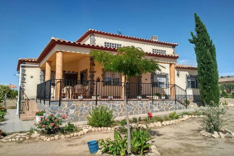 Villena,Alicante,España,3 Bedrooms Bedrooms,3 BathroomsBathrooms,Chalets,19003