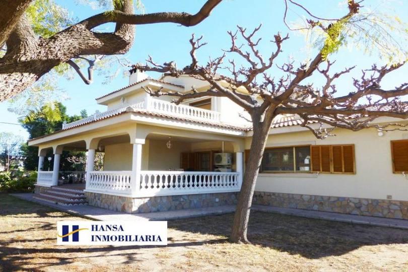 San Vicente del Raspeig,Alicante,España,7 Bedrooms Bedrooms,5 BathroomsBathrooms,Chalets,19034
