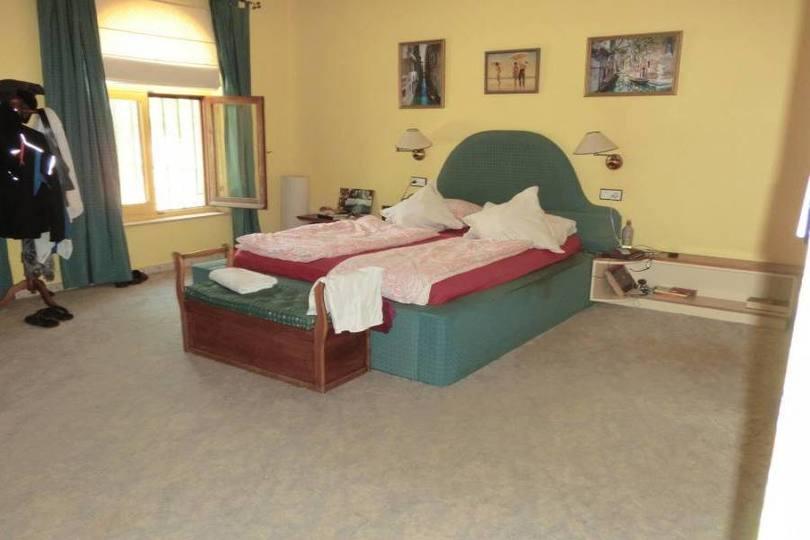 La Nucia,Alicante,España,5 Bedrooms Bedrooms,4 BathroomsBathrooms,Chalets,19047
