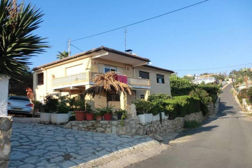 el Campello,Alicante,España,5 Bedrooms Bedrooms,2 BathroomsBathrooms,Chalets,19053