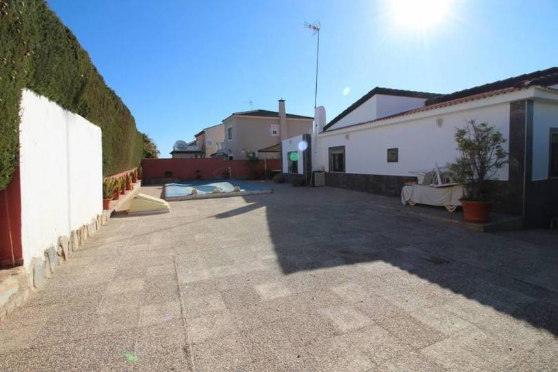 Torrevieja,Alicante,España,3 Bedrooms Bedrooms,2 BathroomsBathrooms,Chalets,19061