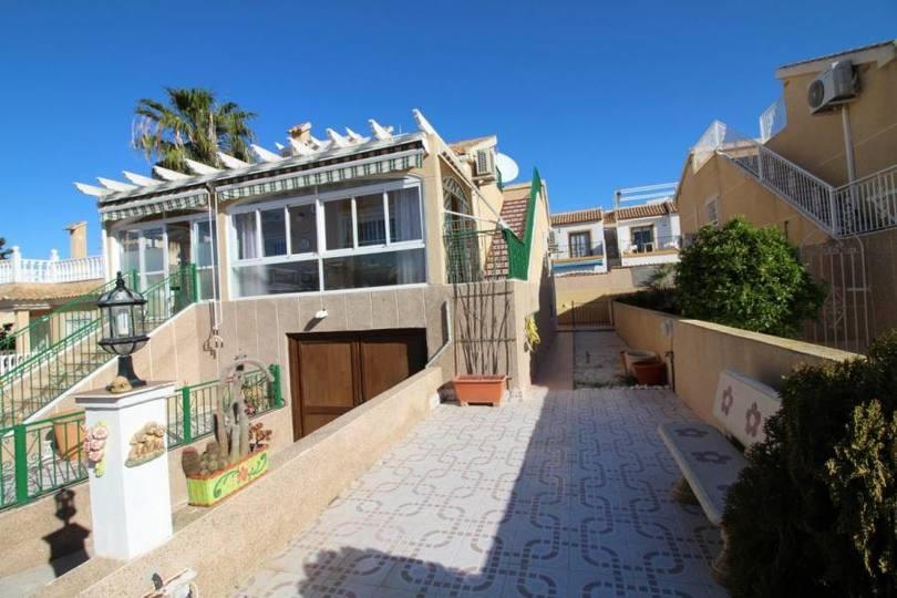 Orihuela Costa,Alicante,España,3 Bedrooms Bedrooms,2 BathroomsBathrooms,Chalets,19062