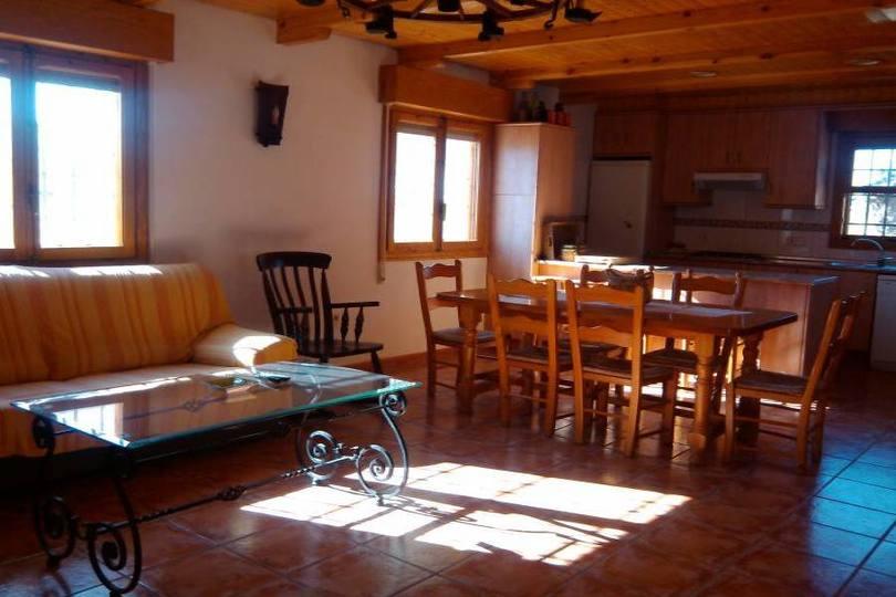 Elche,Alicante,España,3 Bedrooms Bedrooms,2 BathroomsBathrooms,Chalets,19075