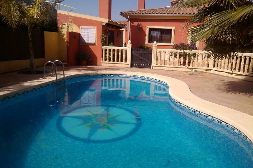 Elche,Alicante,España,6 Bedrooms Bedrooms,3 BathroomsBathrooms,Chalets,19076