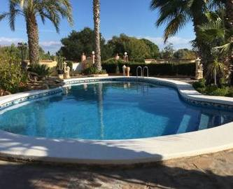 Elche,Alicante,España,6 Bedrooms Bedrooms,3 BathroomsBathrooms,Chalets,19077