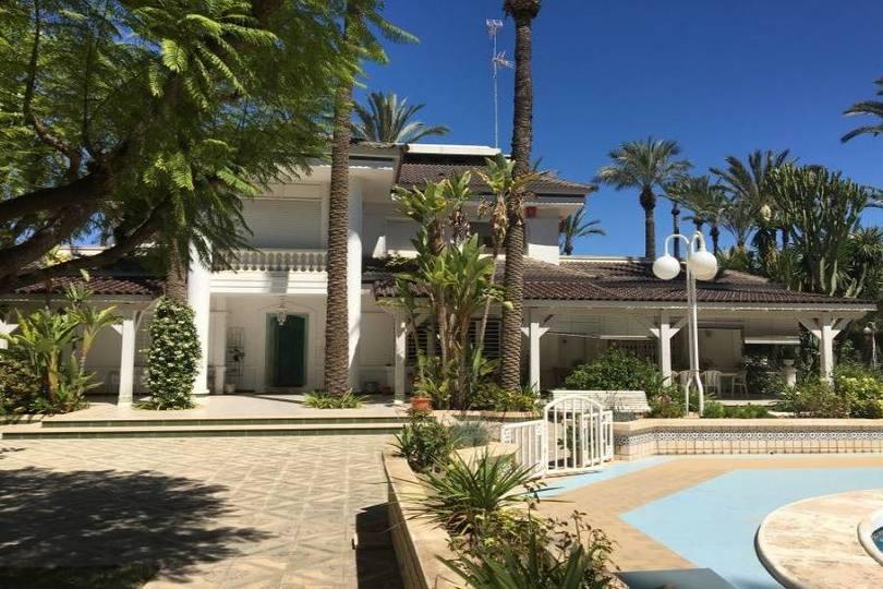 Elche,Alicante,España,12 Bedrooms Bedrooms,6 BathroomsBathrooms,Chalets,19086
