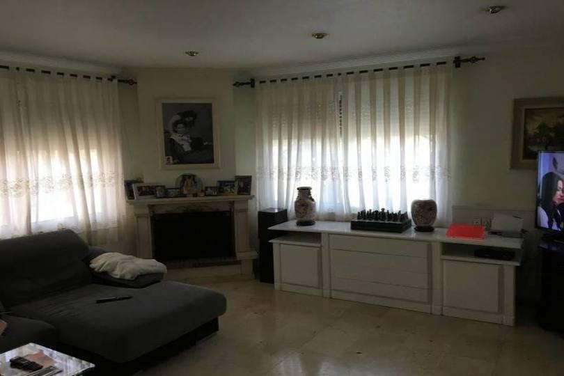 Elche,Alicante,España,4 Bedrooms Bedrooms,1 BañoBathrooms,Chalets,19088