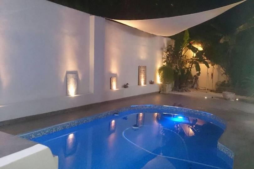 Alicante,Alicante,España,4 Bedrooms Bedrooms,2 BathroomsBathrooms,Chalets,19107