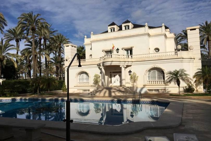 Elche,Alicante,España,7 Bedrooms Bedrooms,9 BathroomsBathrooms,Chalets,19109