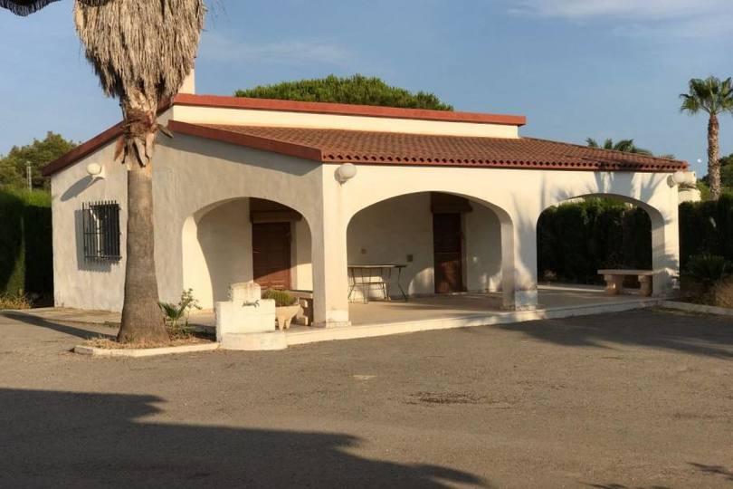 Elche,Alicante,España,3 Bedrooms Bedrooms,2 BathroomsBathrooms,Chalets,19115