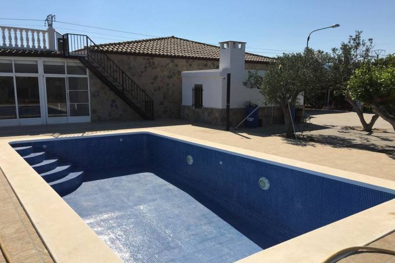 Crevillent,Alicante,España,4 Bedrooms Bedrooms,2 BathroomsBathrooms,Chalets,19127