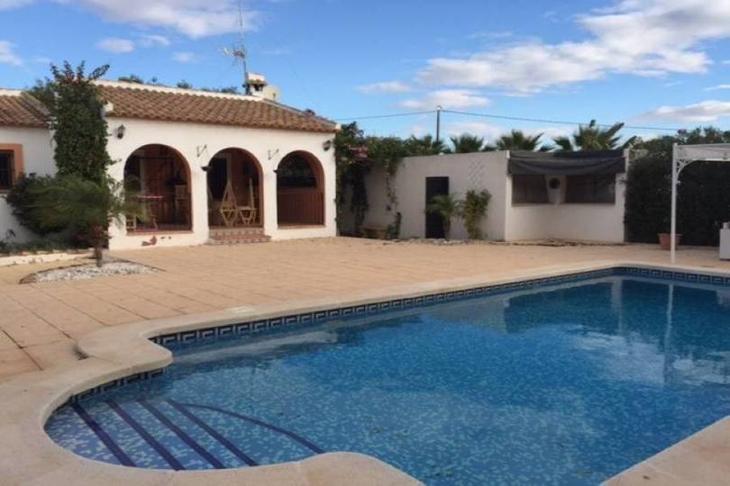 Orihuela,Alicante,España,4 Bedrooms Bedrooms,2 BathroomsBathrooms,Chalets,19140